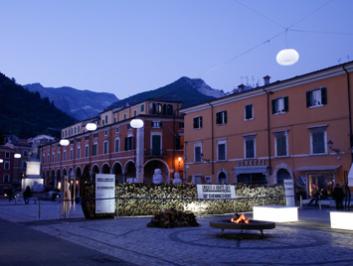 under a white sky – Carrara 2010